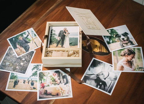 wedding-photography-prints-in-a-wooden-box_002